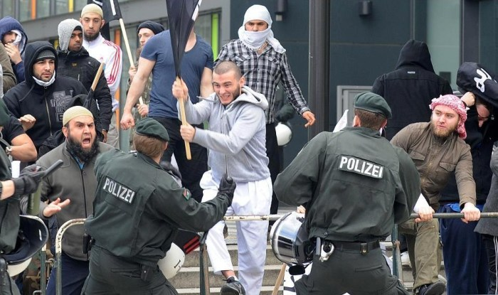 A terroristák háborúja itthon,Európában