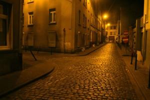 Molenbeekre leszállt az éj, fotó: Teun Voeten