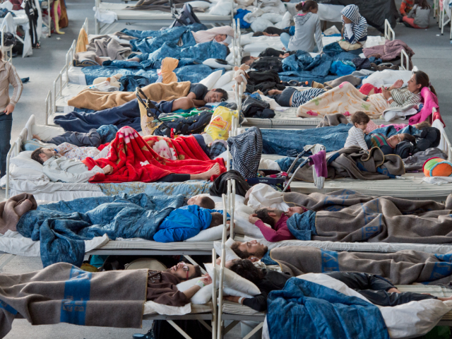 """Német menekültszállások: """"a nőkkel úgy bánnak, mint akutyákkal"""""""