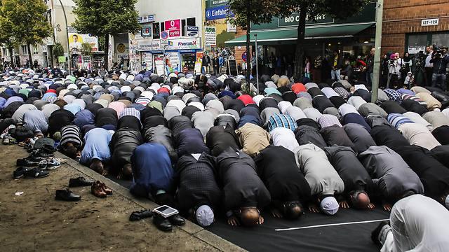 Imad Karim: Vessetek véget a barbarizmusdiadalának!