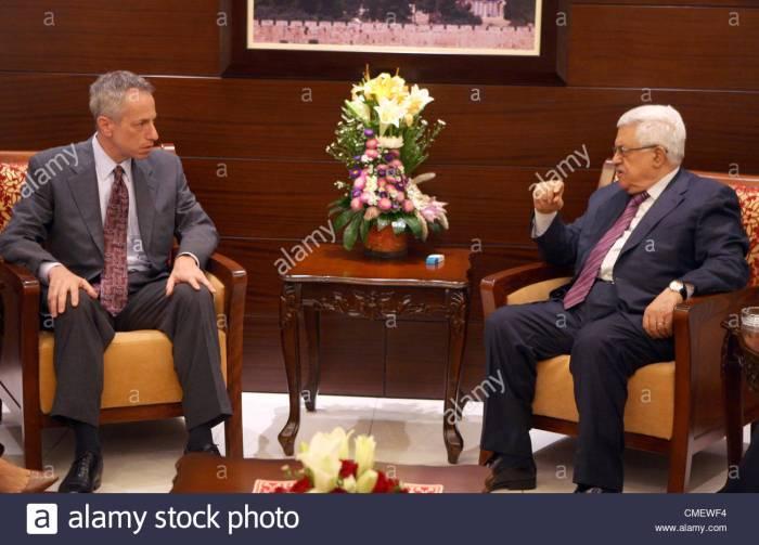 John Kerry – tanítvány az Egyesült Államok külügyminisztériumában: Michael Ratney az izraeli – palesztin portfólióvezetője